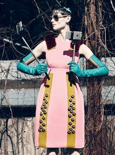 Selfie, editorial de moda de Interview Magazine | en Inspireme.cl