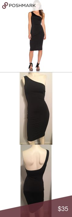 Nbd nordstrom one shoulder black dress small Stretchy material! Quality 2 later material for a flattering fit. Excellent condition. Reasonable offers considered. NBD Dresses One Shoulder