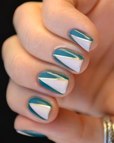 Love this gorgeous #mani! Perfect for a #Tuesday afternoon : Dysfunctional RV @blognailedit