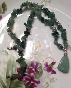 Vintage Jade naturel poli Collier pendentif par VintageGemsAndPurls