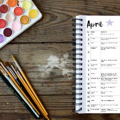 🌟 Ben je er klaar voor om te STARTEN met schilderen? Dan is dit voor jou 🌟  . Slaat de verveling toe, maar weet je niet hoe je kan beginnen? Zorgt die lege pagina ervoor dat je maar niet verder komt? Ben je toe aan een uitdaging?  🖌️ Er is niets intimiderend dan ergens mee beginnen. Om dat begin makkelijker te maken heb ik voor jou een gratis kalender vol met kleine schilder-opdrachtjes. Heel eenvoudig maar het zorgt ervoor dat je meteen kan beginnen en over die drempel heen kan stappen. Mixed Media Art, Inspiration, Biblical Inspiration, Mixed Media, Inspirational, Inhalation