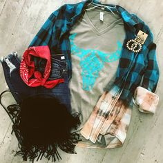 Heather olive Bella+Canvas Brand Runs true to size B Fashion, Autumn Fashion, Fashion Outfits, Western Outfits, Western Wear, Clothing Styles, Clothing Ideas, Country Girl Shirts, Southern Belle Style