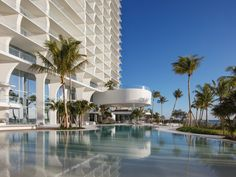 designed by acclaimed swiss architecture firm herzog & de meuron, 'jade signature' is a beachfront residential tower in sunny isles beach, florida. Jade, Sunny Isles Beach, Downtown Miami, Renzo Piano, Glass Facades, Zaha Hadid Architects, Landscape Design, Florida, Exterior