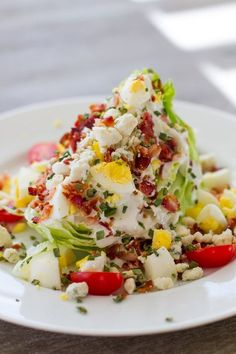 Party Summer Salads To Amaze Your Guests Iceberg Wedge Salad Save Print Prep time 15 mins Total time 15 mins An Iceberg Wedge Salad Recipe with low fat blue cheese dressing and copious toppings is the perfect side that go Wedge Salad Recipes, Summer Salad Recipes, Summer Salads, Chopped Salad Recipes, Ketogenic Recipes, Paleo Recipes, Cooking Recipes, Ketogenic Diet, Recipes Dinner