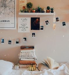 Best Six Plants for Better Sleep - Room & Bedroom Decor - Dorm Room Christmas Room, Christmas Gifts, Aesthetic Room Decor, Teen Girl Bedrooms, Girl Rooms, Home And Deco, Decoration Table, Room Decorations, Decoration Crafts