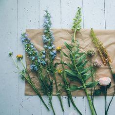 Spring garden mantlepiece // Design*Sponge