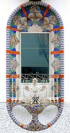 Art Nouveau, Art Deco, Gaudi, Balcon Juliette, Architecture Unique, Building Architecture, Through The Window, Window Boxes, Facades