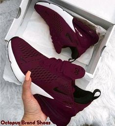 Damen Nike Laufschuhe - - Damen Nike Laufschuhe Schuhe Adidas Burgund Sneakers… Source by Nike Air Shoes, Sneakers Nike, Sneakers Women, Women Nike Shoes, Cute Nike Shoes, Nike Shoes Outfits, Nike Flats, Sneakers Workout, Nike Tennis Shoes