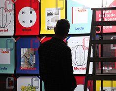 Este año tuvimos un reto especial, Francia fue seleccionado como país invitado de honor de la Feria Internacional del Libro 2015 y la embajada acudió a nosotros para ayudarlos con el proyecto.Abarcamos desde el diseño de la identidad hasta el espacio qu…