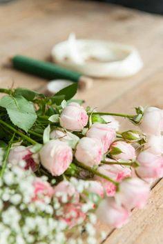 Anleitung: DIY Blumenkranz für Hochzeit und Festival