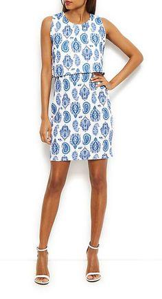 Kleider für Hochzeitsgäste: Kurzes Kleid mit Paisley-Muster