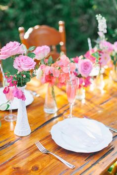 Pink milk glass wedding centerpiece | Kati Rosado Photography