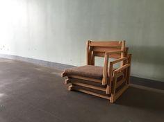 legless chair 先日ソファと一緒に納品した座椅子 日本ならではの家具なのかな 何れにせよ誇れるもの #座椅子 #椅子作り #家具屋 #無垢家具 #神戸 #木工 #オーダー家具 #家具作り #woodworking #woodwork #handmade #furniture #chairmaking #leglesschair #tatami #japanmade de w.w.olior