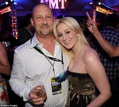 Kellie Pickler with her father Clyde Pickler Jr in 2010