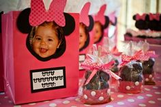 Minnie Mouse Gift Bags and Caramel Apples