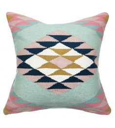 The best selling Elodie Rug now in a pillow! A collaboration between L&G and Glitter Guide, The Elodie collection embodies everything we love about this fun, feminine brand.