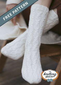 Winter Knitting Patterns, Knitted Socks Free Pattern, Mittens Pattern, Knit Patterns, Cable Knit Socks, Knitting Socks, Free Knitting, Knit Sweaters, Knitting Machine
