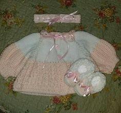 Tiara, sapatinho e casaquinho
