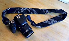 Make your own (comfy) camera strap out of two bandanas!