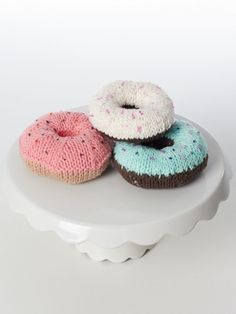 Donuts! a free knitting pattern from Yarnspirations. These look good enough to eat!