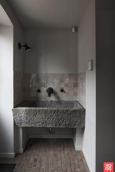 Bathroom Spa, Laundry In Bathroom, Simple Bathroom, Toilet Design, Bath Design, Mud House, Stone Sink, Wet Rooms, Design Your Home