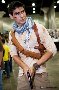 Drake from Uncharted: AHHHHHHHHHHHHHHHHHHHH!!!!!!!!
