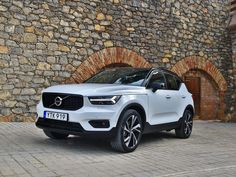 Volvo XC40 #cars #Autos #autodesign #autophotopraphy #SUVs, #Volvo #volvoxc40 #4wheeldrive #offroader Best Suv Cars, All Cars, Offroader, Volvo Xc60, Volvo Cars, City Car, Expensive Cars, Car Brands, Future Car