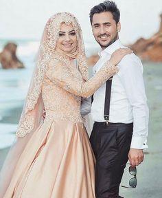 @tesettur__asigi #chichijab do you like this dress?!! 😍😍😍😍 Hijabi Wedding, Wedding Hijab Styles, Muslim Wedding Dresses, Bridal Dresses, Bridesmaid Dresses, Dress Wedding, Bridesmaids, Turkish Hijab Style, Turkish Wedding