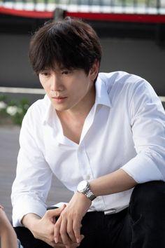 Korean Celebrities, Korean Actors, Ji Song, Yoo Yeon Seok, Lee Bo Young, The Special One, Park Ji Sung, Doctor Johns, Korean Star