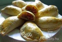 Meat Recipes, Cooking Recipes, Hungarian Recipes, Hungarian Food, Calzone, Empanadas, Tupperware, Hot Dog Buns, Cool Things To Make