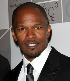 Jamie Foxx is dedicated, creative and has made his own way in Hollywood. He has used his celebrity to advocate for the end of poverty, racism and AIDS. Celebrity List, Celebrity Gossip, Jamie Foxx Show, Top Albums, African American Artist, American Artists, Stand Up Comedians, Hooray For Hollywood, Basket Ball