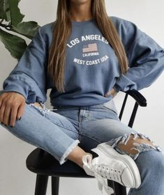 Fashion Outfits 2019 Outfits casual Outfits for moms Outfits for school Outfits for teen girls Outfits for work Outfits with hats Outfits women Teen Fashion Outfits, Mode Outfits, Girl Outfits, Fashion Fashion, Picture Day Outfits, Winter Fashion, Preteen Fashion, Insta Outfits, Lazy Outfits