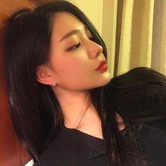 ✔ Couple Ulzzang Video No Face Pretty Korean Girls, Korean Beauty Girls, Cute Korean Girl, Asian Beauty, Asian Makeup Natural, Mode Ulzzang, Ulzzang Korean Girl, Redhead Girl, Brunette Girl