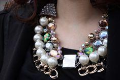 #JewellerySteetStyle #JewelleryTrends #JewelryTrends #jewelleryoftheday #jewelryoftheday #Jewellery #Jewelry #trends #Adorn #AdornLondon #MilanFashionWeek #StreetStyle #necklace #pearl #bead #chain #silver