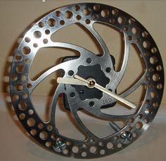 DIY Bicycle Brake Disc Clock...http://diygiftworld.com/diy-bicycle-brake-disc-clock/
