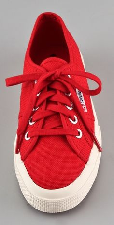Superga sneakers Stinky Shoes, Superga Sneakers, Elements Of Style, Woman Shoes, Classic Sneakers, Signature Logo, Flat Shoes, Dance Wear, Clothing Ideas