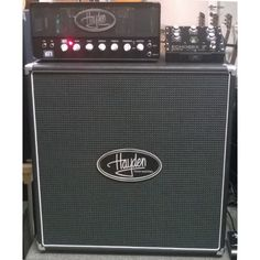 """Hayden MoFo 30W Head / 2x12"""" cab bundle The MoFo 30 amp from Hayden has alot to offer to many players. The ability to dial in both crisp clean tones and chunky driven crunch tones make this amp extremely versatile.  One of the most impressive features on the MoFo 30 is the 30w/2w switch which in simple speak gives you the same tone in both the bedroom and the stage."""