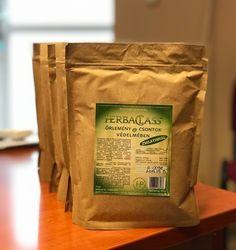 A HerbaClass új őrleménye tele van olyan anyagokkal, melyek komoly szerepet jaátszanak csontjaink egészségének megőrzésében. A kendermag és a lenmag mellett mákot, csalánlevelet, zselatint, valamint kálciumot és magnéziumot is tartalmaz. Coffee, Drinks, Pork, Coffee Cafe, Beverages, Kaffee, Cup Of Coffee, Drink, Beverage
