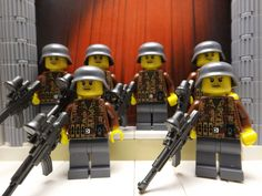 6x WWII LEGO German Waffenoberfeldwebel Panzergrenadier Regt. 1943 with STG44's