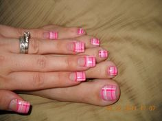 Gel nail design, pink burberry