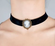 SALE black velvet choker // cameo charm // black beaded necklace // Gothic Vintage // jewelry gift antiqued