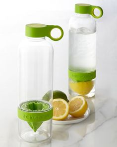 Citrus Zinger Water Bottle — take lemon water with you everywhere!) I bought this bottle and I love it. Things To Buy, Things I Want, Good Things, Inspektor Gadget, Lemon Water, Fruit Water, Gadgets And Gizmos, Fun Gadgets, Clever Gadgets