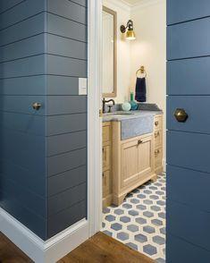 On-trend modern dark blue shiplap // Jackson & LeRoy ( Tall Cabinet Storage, Locker Storage, Shiplap Bathroom, Bathroom Wall, Pool Bathroom, Downstairs Bathroom, Simple Bathroom, Painting Shiplap, Jackson