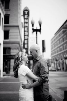 City engagement photo. Tennessee engagement. Knoxville, TN