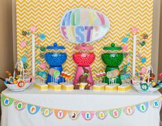 """More candy bowls/bubble gum """"machines""""...I love these!"""