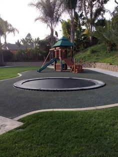 Gorgeous 30 DIY Playground Project Ideas for Backyard Landscaping https://insidecorate.com/30-diy-playground-project-ideas-backyard-landscaping/