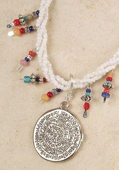 Ethnische ketting met hanger leuk Beaded Necklace, Charmed, Bracelets, Jewelry, Bangles, Jewellery Making, Pearl Necklace, Jewels, Jewlery