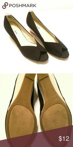 Peep Toe Wedges Never worn. Metro Shoes Wedges