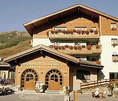 Get the Best Rates at  http://www.lowestroomrates.com/avail/hotels/Italy/Livigno/Hotel-Cervo.html?m=p    Centrally located in Livigno, Hotel Cervo is minutes from Mottolino Gondola and Livigno - Tagliede Gondola. This ski hotel is within close proximity of Teola Pianoni Bassi Ski Lift and San Rocco Ski Lift.  #HotelCervo #Livigno #SkiResortsItaly