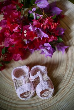 #sandalias para #bebé #baby #sandals #newborn disponibles en www.loaprendidemayor.com #ganchillo #crochet